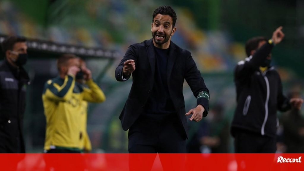 "Robin Amorim: ""We have a tournament full of artists…"" - Sporting"