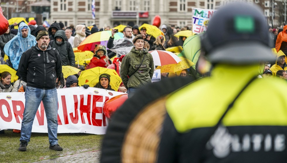 Big disappointment: In Amsterdam, police had to use water cannons against protesters who took to the streets to show their dissatisfaction with the government's handling of the pandemic on March 28.  Photo: Jeroen Jumelet / ANP / AFP / NTB