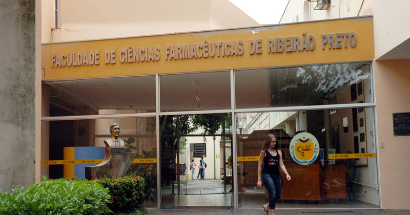 College of Pharmaceutical Sciences in Ribeirao Preto is holding the inauguration ceremony of its former director - Jornal da USP