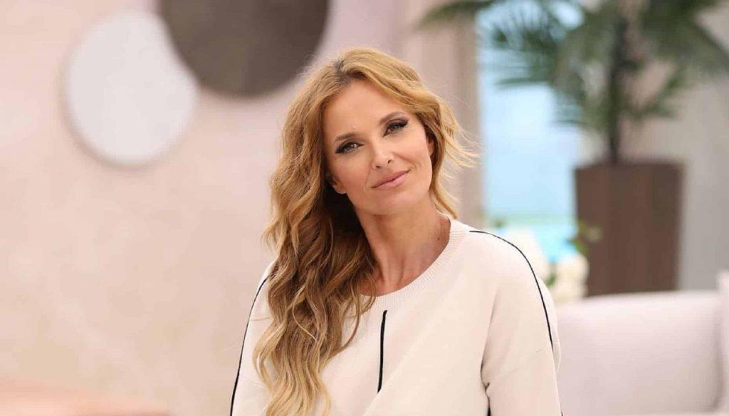 Cristina Ferreira Tvi, Cristina Comvida