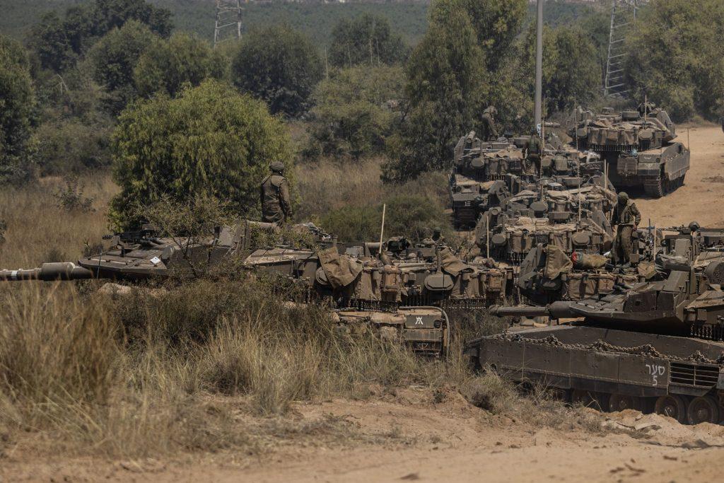 Heavy military rearmament on the Israeli side of the border - VG