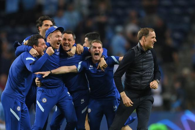 Thomas Duchess and his staff after Chelsea won the Champions League final on 29 May 2021 in Porto.