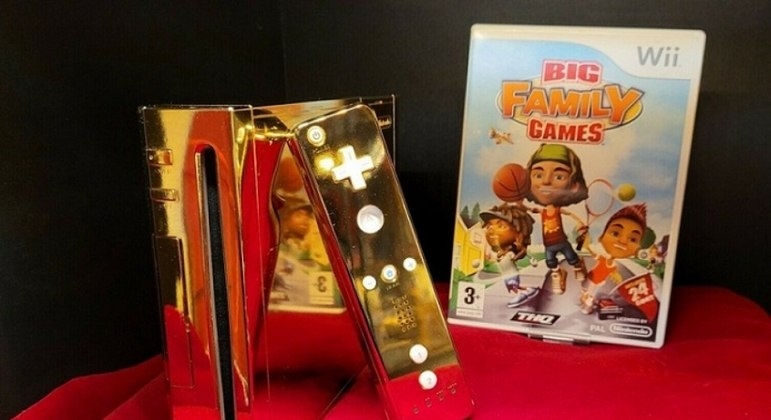 24 Karat Gold Video Game Made for the Queen of England for Sale at Millionaire Price - Sports