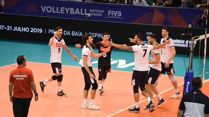 A BOLA - Call for the National Team with Three Returns (Volleyball)
