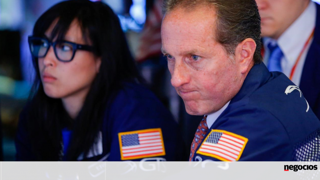 Inflation scares Wall Street.  The Dow is down more than 600 points - Bolsa