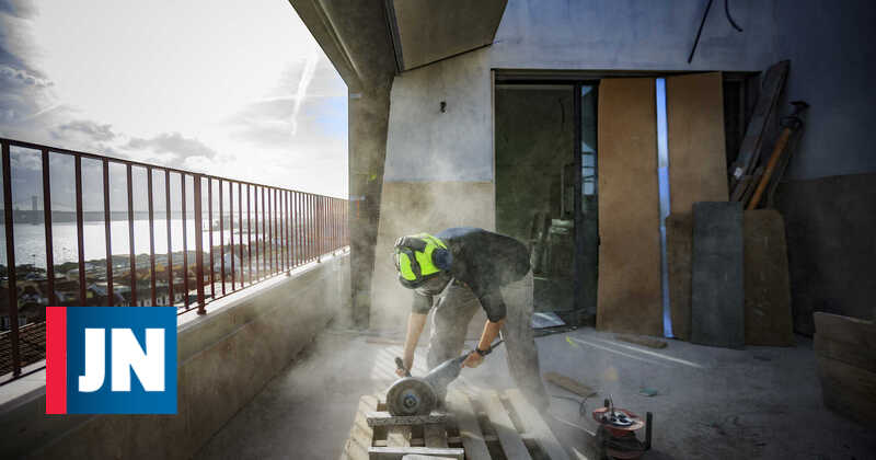 Shortage of building materials causes prices to rise by 35%