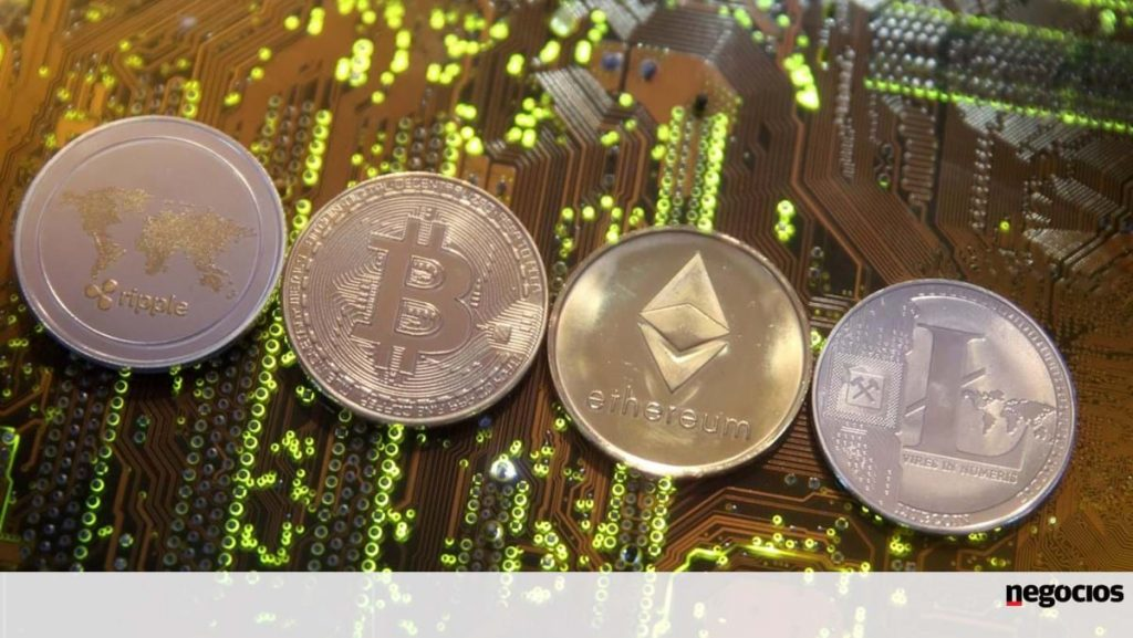 Trading cryptocurrencies over the weekend does not give investors a rest.  E ether in records - markets