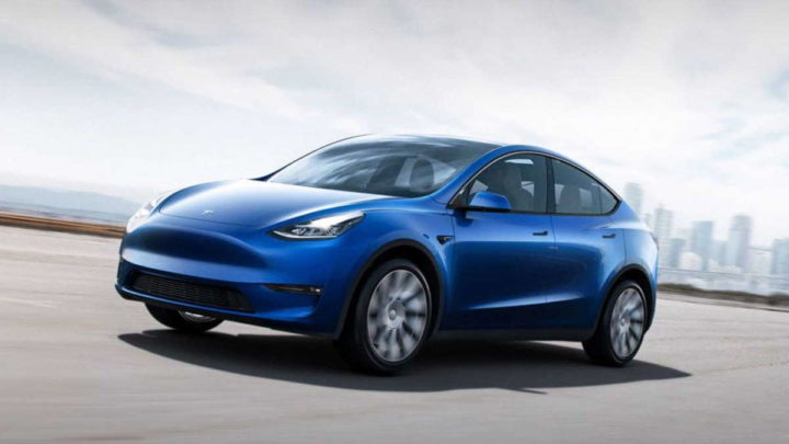 Tesla collects Model Y Model 3 cars