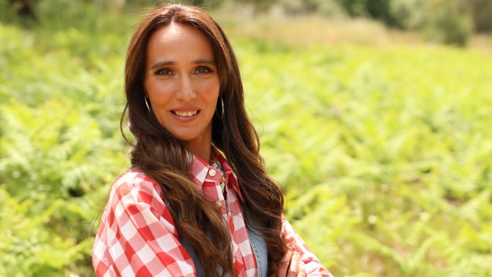 Who Wants to Date a Farmer?: Ana Palma Accused of Lying