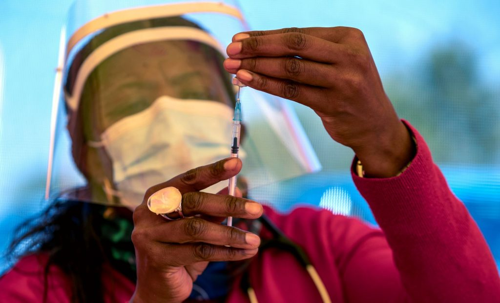 Severe vaccine shortage in Africa - fears of third wave of infection - VG