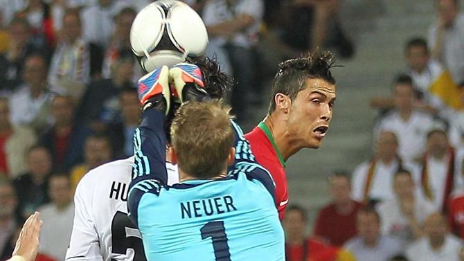 A BOLA - Cristiano Ronaldo with zero goals against Germany but nine against Neuer (national team).