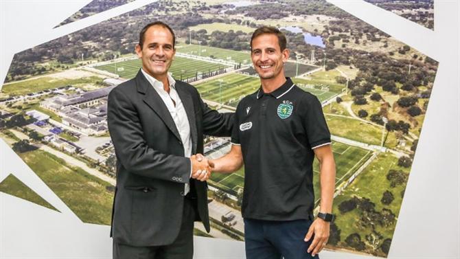 A BOLA - Joao Pereira begins his coaching career at the U-23 team (Sporting).