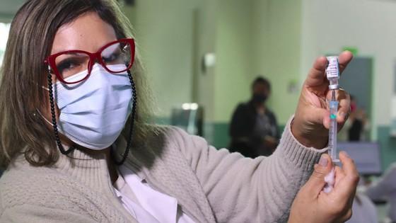 Foz do Iguaçu began vaccination against COVID-19 at age 45