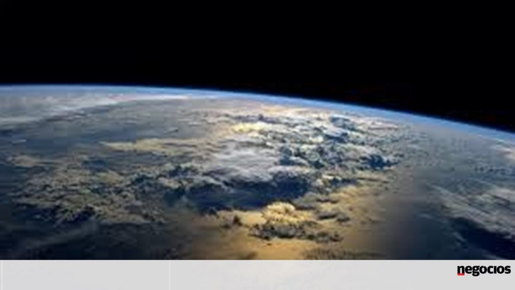 More than 300 Portuguese apply for ESA astronauts - companies -