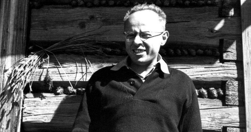 Stanislaw Lem Dokorsuk is not alone.  Quote from the Koksiyaski family