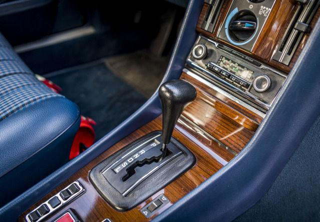 I haven't experienced such an environment much - but what a joy it happened!  Radio Becker, of course, was the noble thing for Mercedes at the time.  Photo: Mercedes-Benz AG - Mercedes-Benz