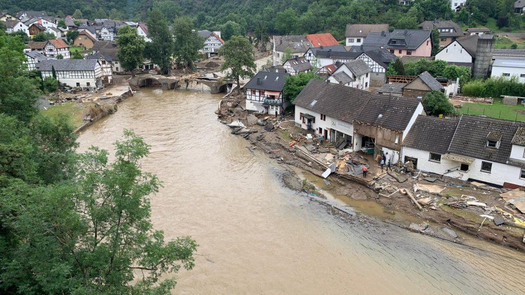 At least 90 people die in Ahrwheeler district - S.W.R.