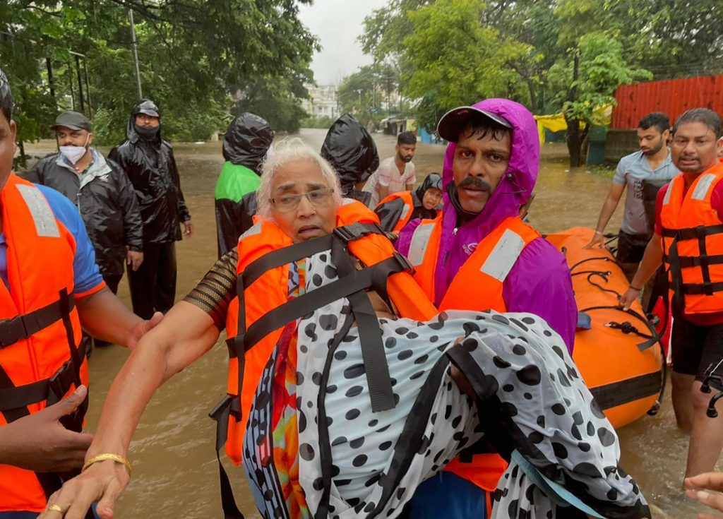 At least 125 people died in floods and landslides in India - VG