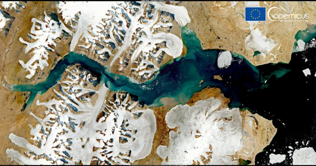The Greenland ice sheet is melting: - Expert: - It is so enormous