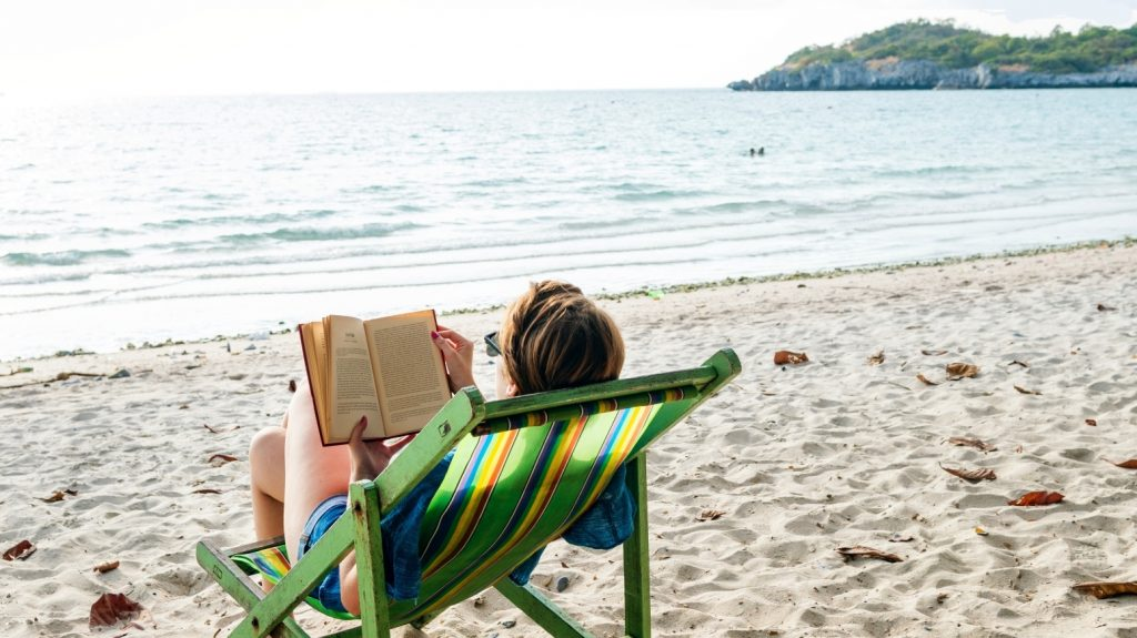 Are you on vacation?  Carlos Violhaes recommends science books for the summer