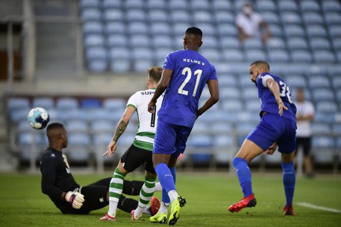A BOLA - Sporting- Belenenses SAD in DIRECT
