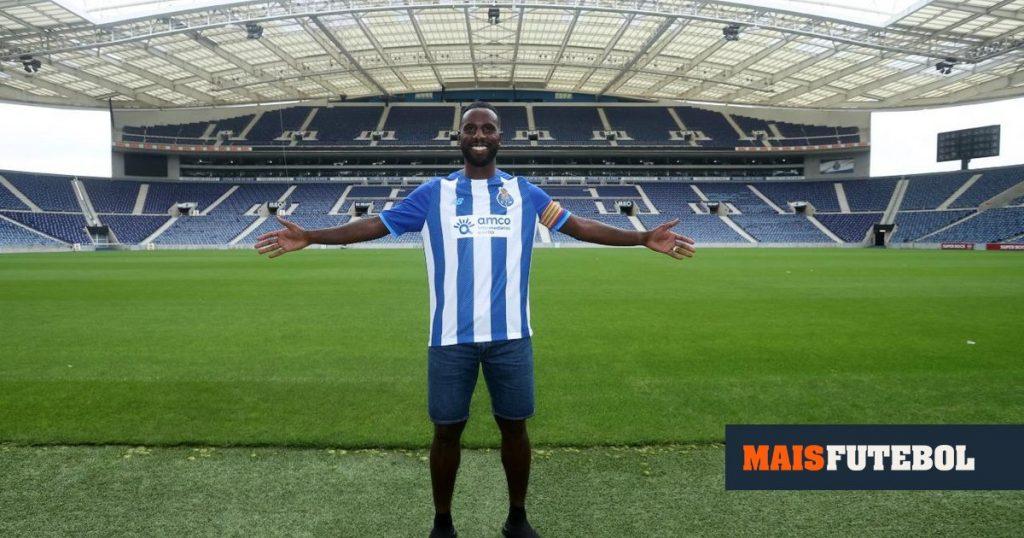 Official: Varela returns to FC Porto to play for B