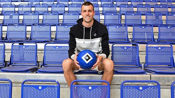 Jonas Meffert from HSV © Witters