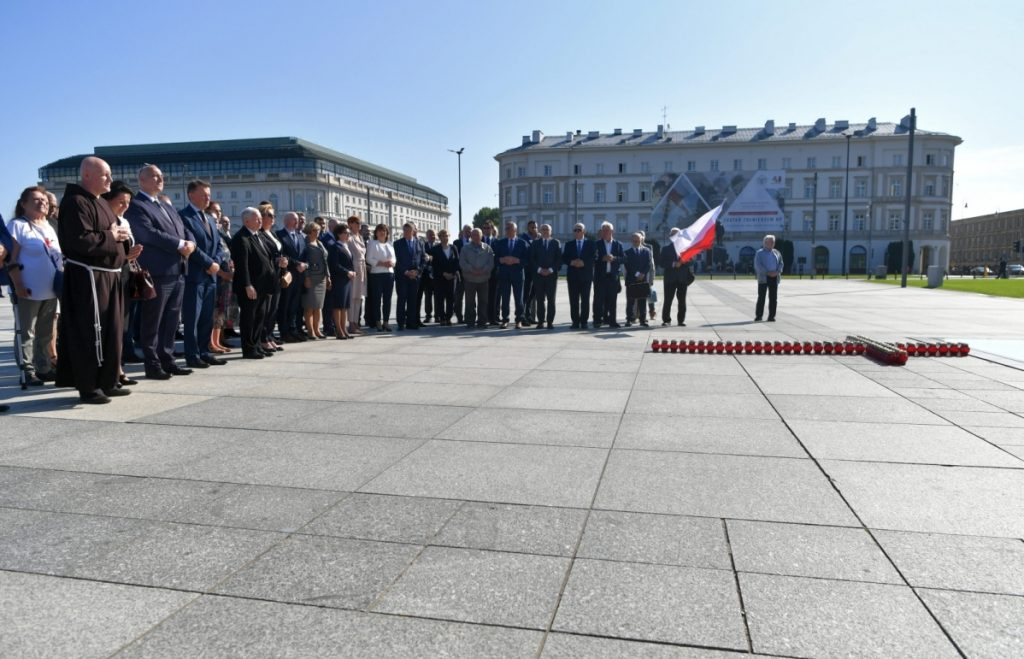 PiS politicians remembered the victims of the Smolensk disaster