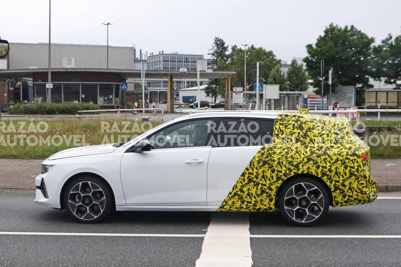 Opel Astra Spy Van