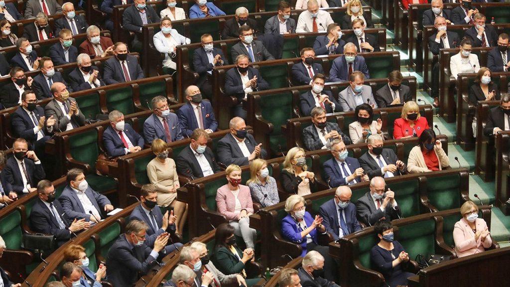 Emergency.  Voting in Sezmil - Presidential decree on state of emergency on Belarus border not revoked