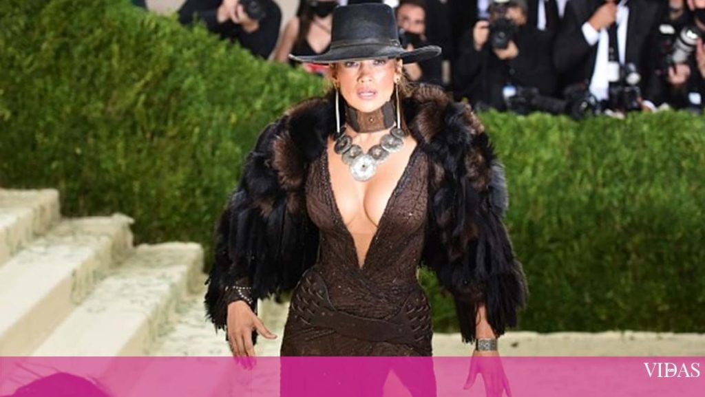 Parade of irreverent stars at the Met Gala in New York - Boiling