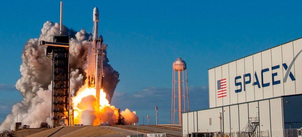 Voo da SpaceX reunirá quatros tripulantes civis pela 1ª vez e decola hoje, 21h