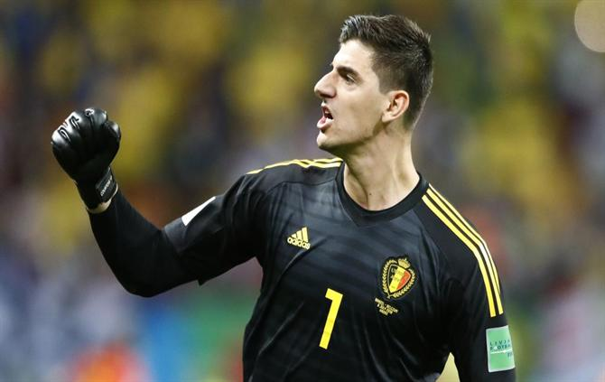 """Ball - Courtois throws himself at UEFA: """"Just think about the money"""" (Belgium)"""