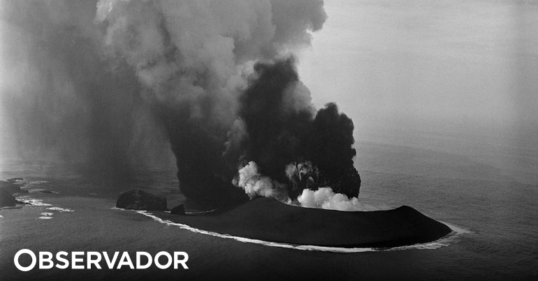 The explosive mixture of water and lava has awakened a monster in Capelinhos.  The science that explains the 1957 eruption in the Azores - Observer